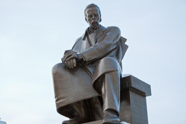 Памятник изобретателю радио А.С.Попову