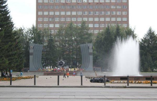 Площадь Российской (Советской) армии