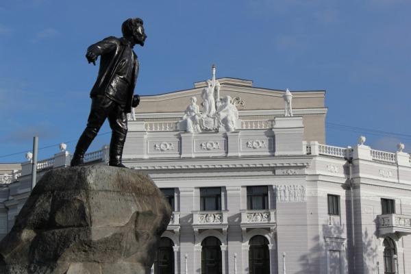 Памятник Якову Михайловичу Свердлову