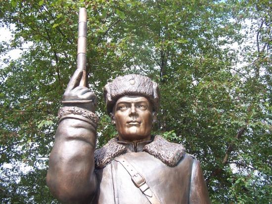 Памятник постовому инспектору