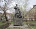 Памятник Режевским умельцам - основателям завода
