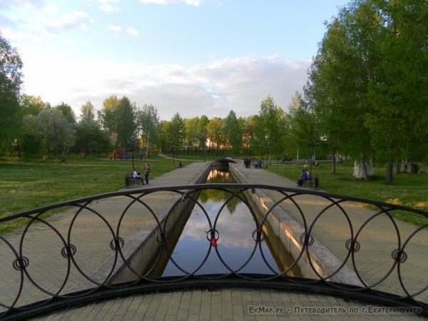 Исторический сквер города Березовский