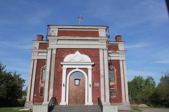 Каменная троицкая церковь
